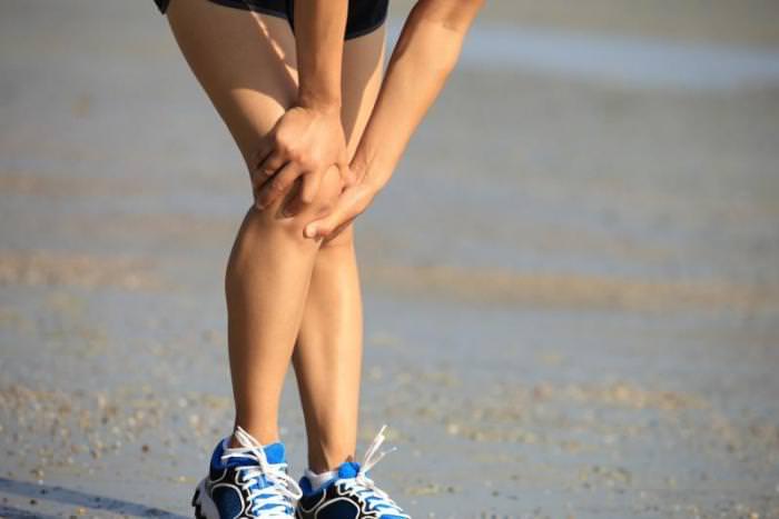 Боль в колене при приседании