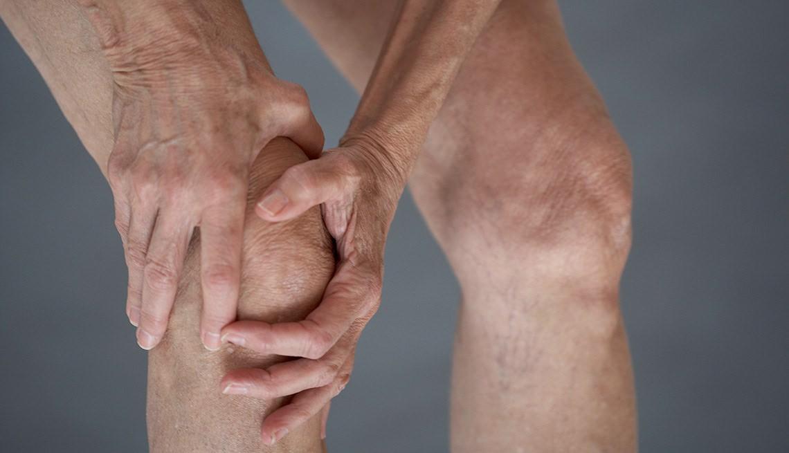 Хруст в коленях при сгибании, почему хрустят и болят при приседании, разгибании